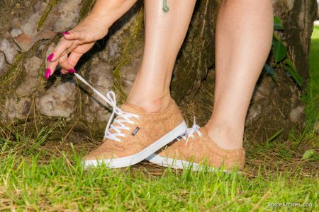 feet-in-the-grass-11