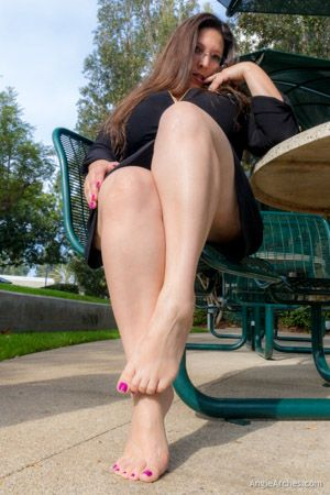 sunny-afternoon-toes-18